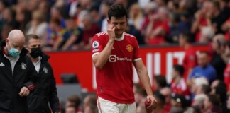 David De Gea angry after Harry Maguire's sloppy back pass