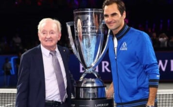 Rod Laver and Roger Federer with the Laver Cup trophy